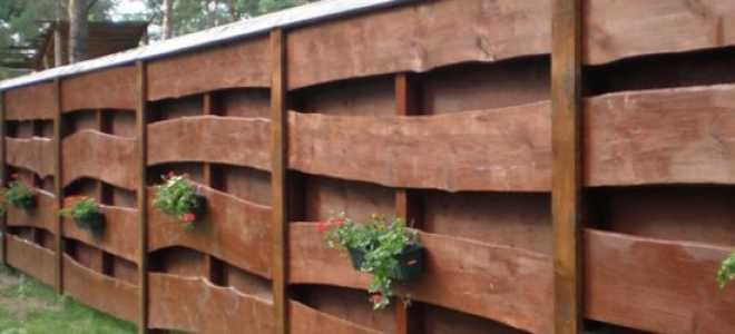 Как самостоятельно построить забор из горбыля?
